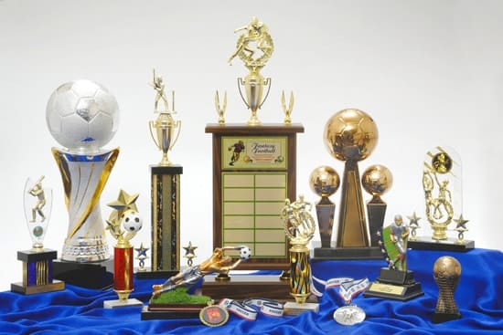 trophies and award company in qatar